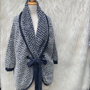Theonne sweater cardigan oversized blue and white